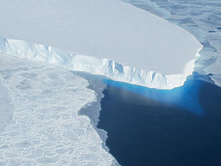 A tenger fenekére épített falak tarthatják egyben a szétolvadó sarkvidékeket