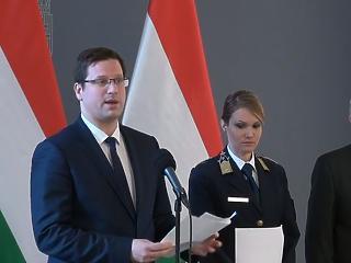 Íme, a járványügyi alap: különadóról is döntött az Orbán-kormány