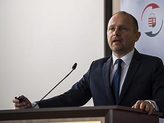 A koronavírus elleni háborúban kapott új feladatot a NAV előző elnöke