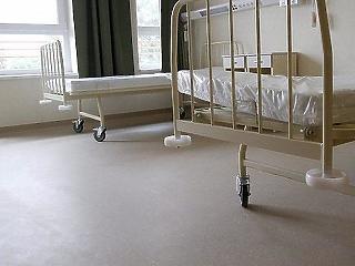 Azonnali adósságrendezést kérnek a kormánytól a kórházi beszállítók