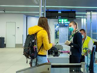 Járványügyi arzenál fogadja majd az utasokat Ferihegyen, ha lesznek