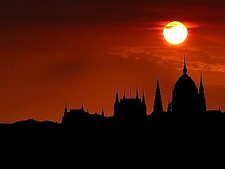 Magyarország a svéd úton: ez egészségügyileg és gazdaságilag is sötét képet fest a következő hónapokra
