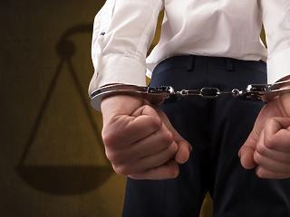 Lecsapott a rendőrség egy korrupt minisztériumi vezetőre