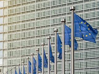 Gyakorlatilag felfüggesztettek 3 magyar uniós programot Brüsszelben