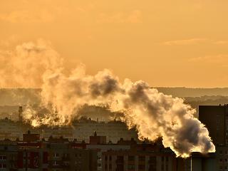 Pénzbírságot kaphat az Orbán-kormány, ha nem csökkenti a légszennyezést
