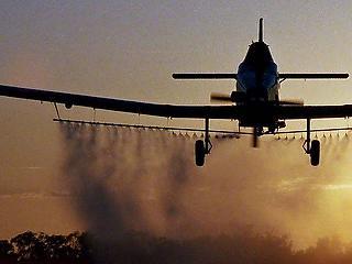 Gripenek az atomerőműnél: elkóborolt szúnyogirtó kisrepülők miatt kellett akciózni