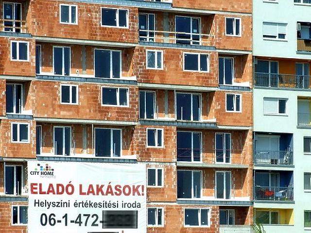 Alig lehet alkudni a magyar lakáspiacon