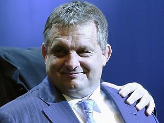 Egyre szorosabb a kapocs Orbán Viktor testvére és az állami pályázatokon taroló vállalkozó között