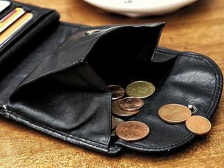 A munkavállalók aggódnak, de a Pénzügyminisztérium szerint meglesz a feltétele az újabb minimálbér-emelésnek