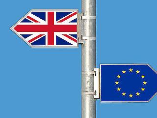 A brit kormány jóváhagyta a Brexit-tervezetet