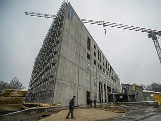 Kilőtt az építőipar – idén az átadási hullám fogja húzni a szektort