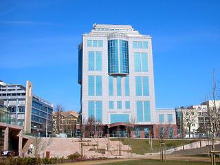Várszegi Gábor eladta a Fotex Plaza irodaházat