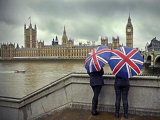 Példátlan Brexit-hatás: tavaly egész évben folyamatosan sorvadtak a beruházások Nagy-Britanniában