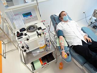 Koronavírus: más kórházak is csatlakozhatnak a vérplazma-terápiához