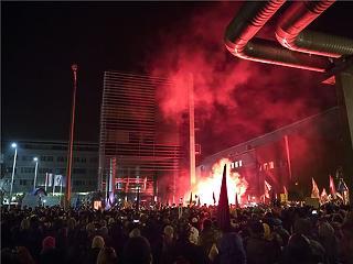 A legnagyobb külföldi híroldalak fókuszában a tüntetések