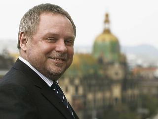 Spéder Zoltán eladta a cemp-ben lévő részesedését
