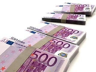 Óriási pénzesőt vár a kormány az EU-tól