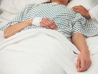 Koronavírus: soha ennyien nem voltak még lélegeztetőgépen