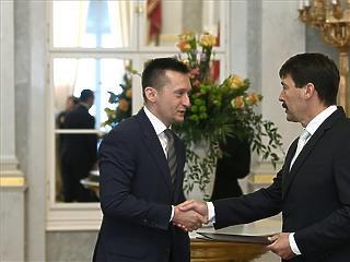 Áder kinevezte a negyedik Orbán-kormány minisztereit