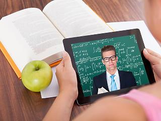 Második hullám: a kormány elkezdett felkészülni a digitális oktatásra