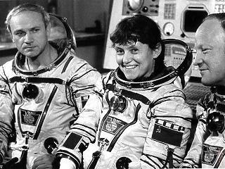 70 éves a világ második űrhajósnője
