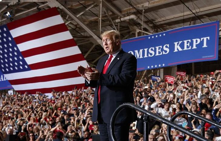 Az elnök keményen beleált a kampányba, bár a tematikája nem finomodott