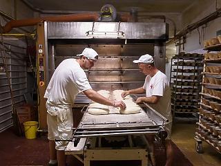 10 százalékkal drágulhat a liszt, emelkedhet a kenyér ára is