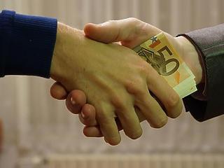 Megismertetik a kisvállalkozásokkal az állami kezességvállalás előnyeit