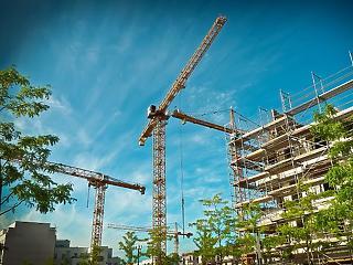 Kőművesre kell a legkevesebbet várni az építkezéseknél