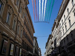 Olaszországban hétfőtől kinyitnak a vendéglők és a múzeumok