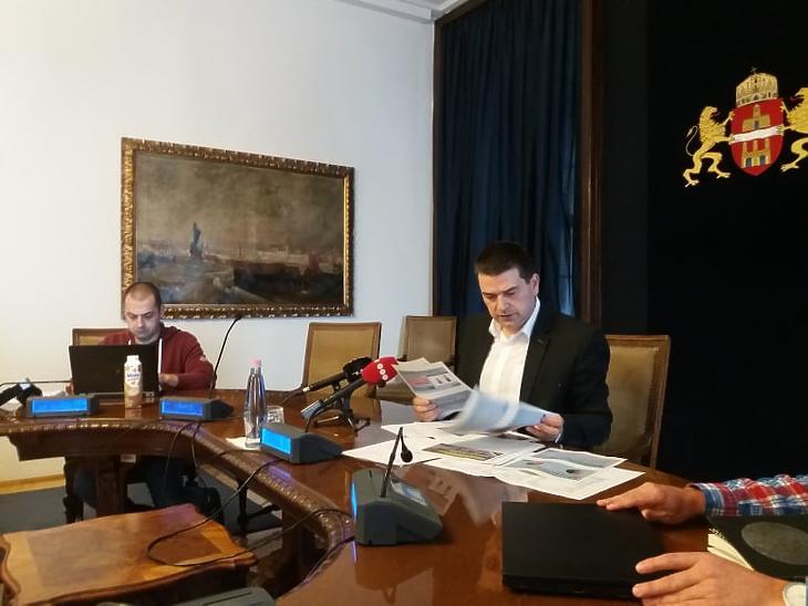 Kiss Ambrus főpolgármester-helyettes (jobbra) Fotó: Vég Márton