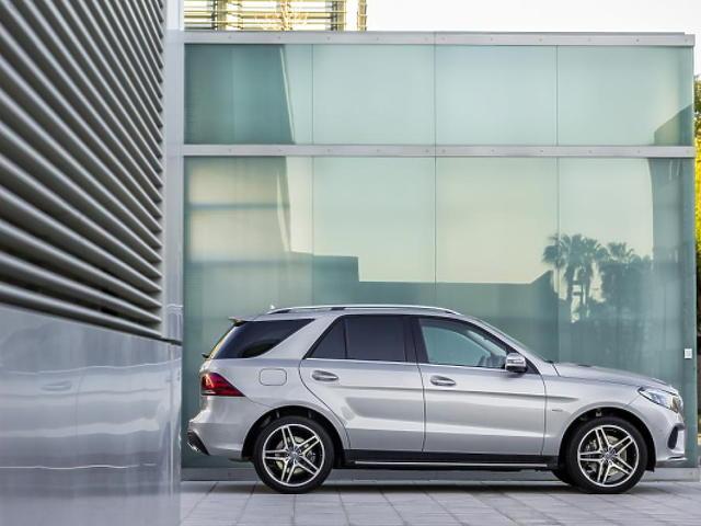 Nézze meg a felfrissített Mercedes batárt!