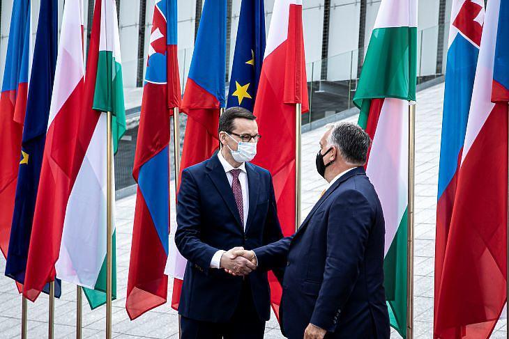 Orbán Viktor a lengyel kormányfővel. (forrás: MTI)