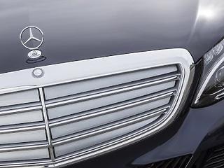 Nagyon visszaesett a Mercedesek eladása