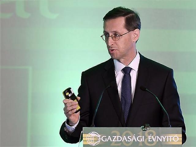 Varga Mihály (MTI fotó - Koszticsák Szilárd)