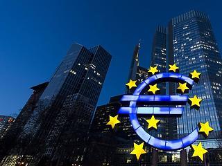 Az EKB megnyomta a pánikgombot