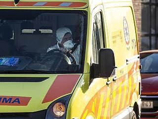 Népszava: Több ezer helyszínre nem értek oda a mentők mintát venni