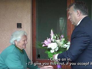 Nem hagyják az árok szélén a nyugdíjasokat, megint kapnak Erzsébet-utalványt