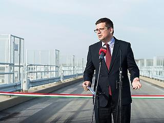 Seszták három hete még nem tudta, mennyibe fog kerülni a Budapest-Belgrád vasút