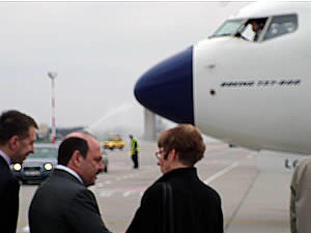Az előtérben Borisz Abramovics, a Malév új elnöke