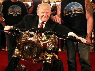 Trump megint elővette az európai autók vámját
