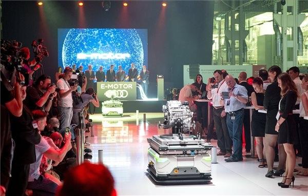 Elindult az Audi elektromos motojainak sorozatgyártása Győrben (Fotó: MTI - Krizsán Csaba)