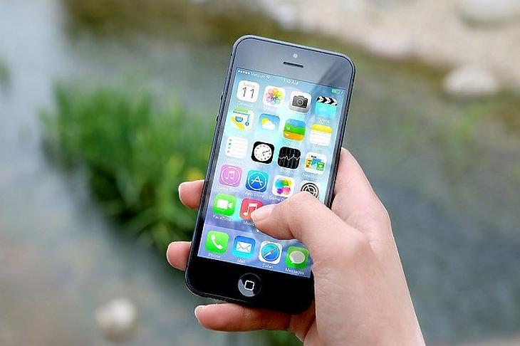 Apple iPhone telefon (Pixabay.com)