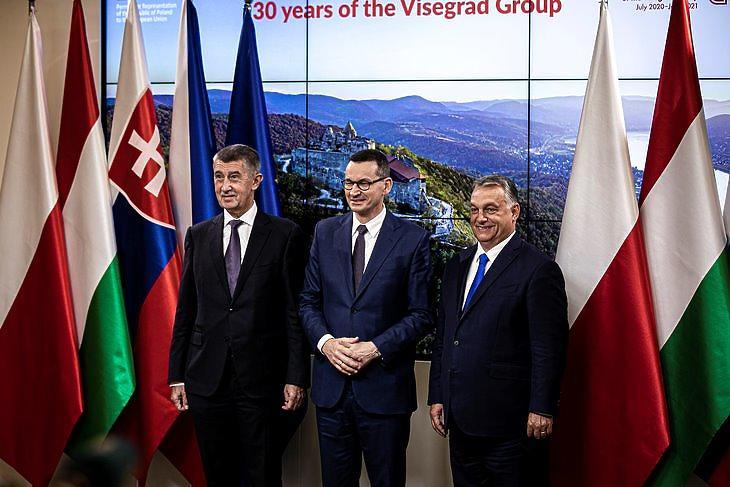 Orbán Viktor magyar, Mateusz Morawiecki lengyel és Andrej rBabis cseh miniszterelnök sajtótájékoztatója Brüsszelben 2020. szeptembe 24-én. MTI/Miniszterelnöki Sajtóiroda/Fischer Zoltán