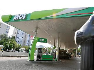 Tömeges felvásárlás miatt korlátozást vezet be a MOL benzinkútjainál