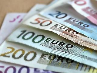 Kevesebb hamis euróbankjegy