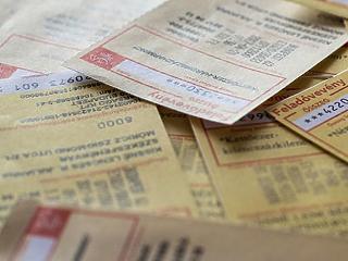 A nyugdíjasok mától fizethetnek a rezsiutalvánnyal