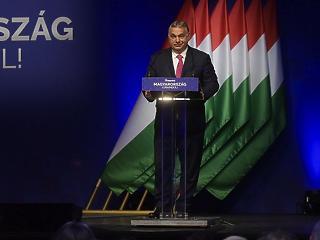 Friss bejelentés: jövőre pénzt adna vissza Orbán Viktor a szülőknek