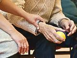 Kapjon-e nyugdíjkiegészítést, aki birtokai jövedelméből él?