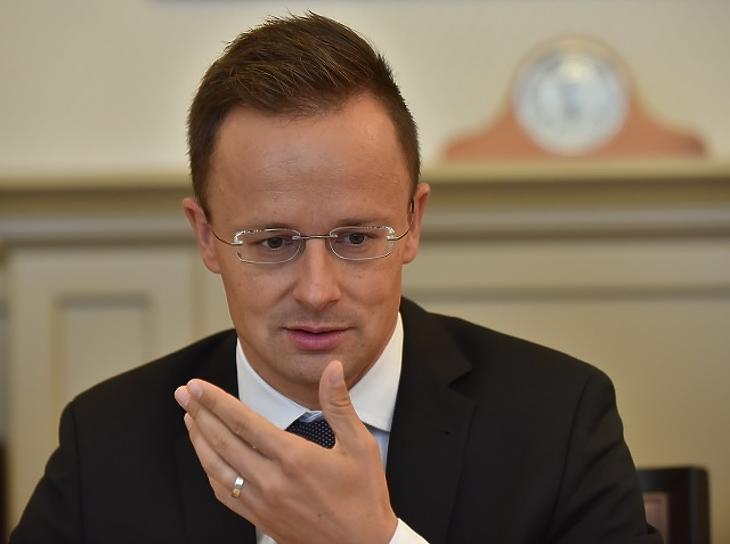 Szíjjártó Péter szerint rendben vannak az Irakban lévő magyar katonák